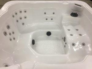 Refurbished Hawkeye Hot Tub