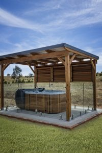 Outdoor Hot Tub Trends for 2021